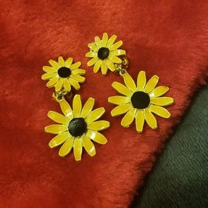 Vintage Yellow Daisy Clip On Earrings
